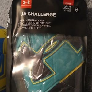 Under Armour UA CHALLENGE youth goalie gloves nwt